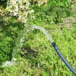 Kútfúrás – Tiszta víz a frissen fúrt kútból